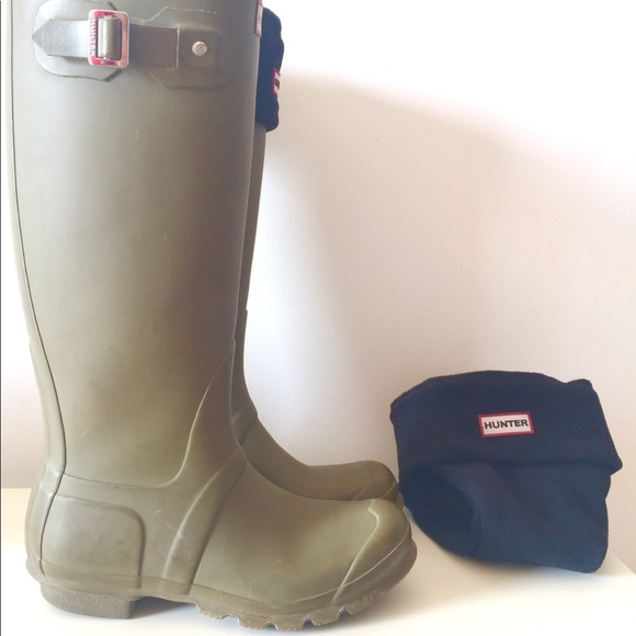Hunter Shoes - Original Tall Rain Boots in olive green